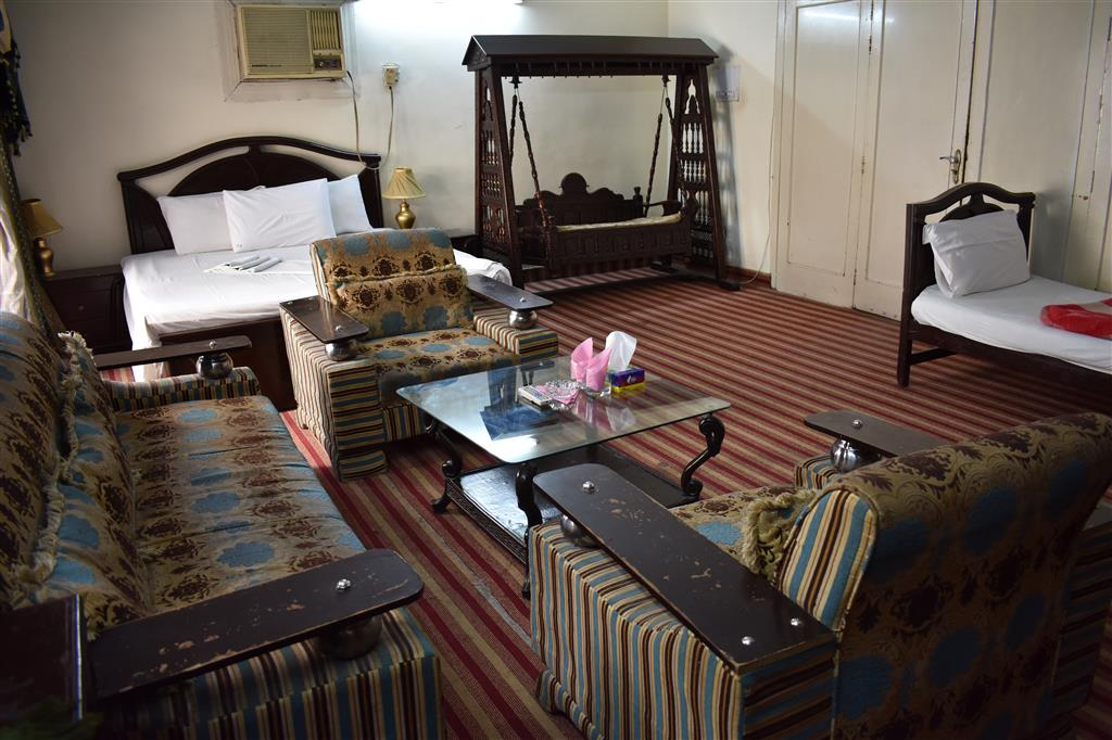 Grand Inn